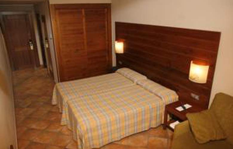 Hotel Low Cost 4* Vallnord - Hotel - 0