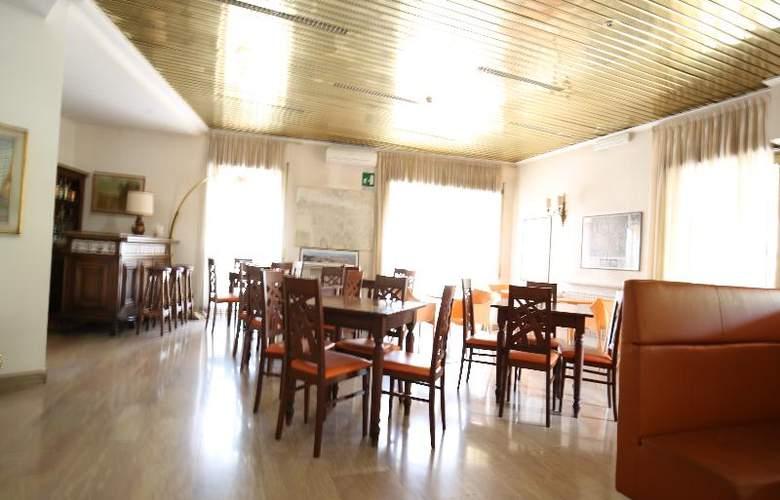 Derby - Restaurant - 14