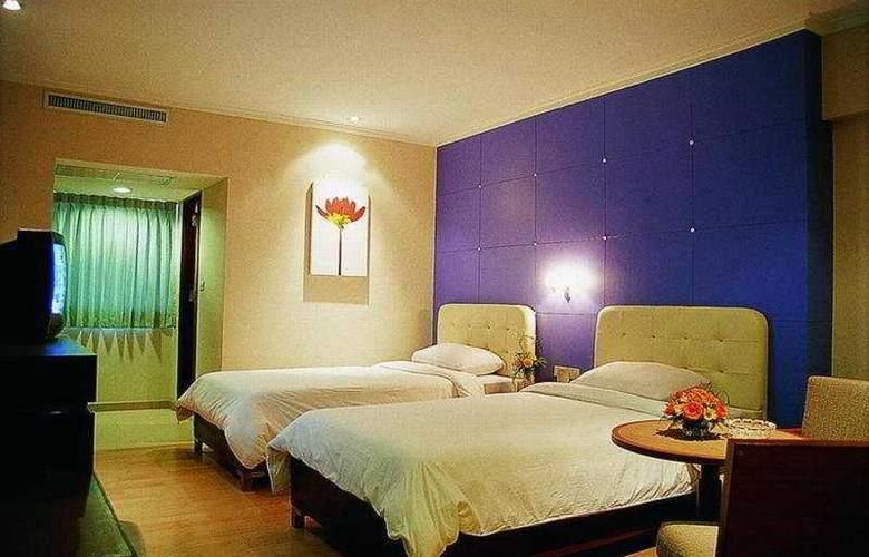 S D Avenue - Room - 1