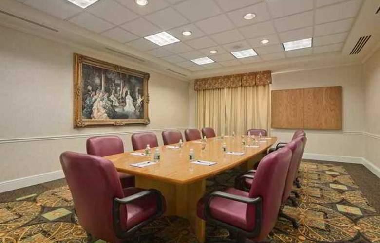 Hilton Garden Inn Bridgewater - Hotel - 3