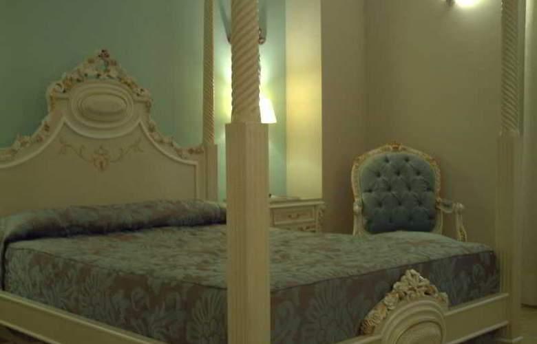 Adriano - Room - 7