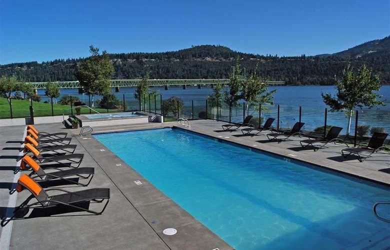 Best Western Plus Hood River Inn - Pool - 103