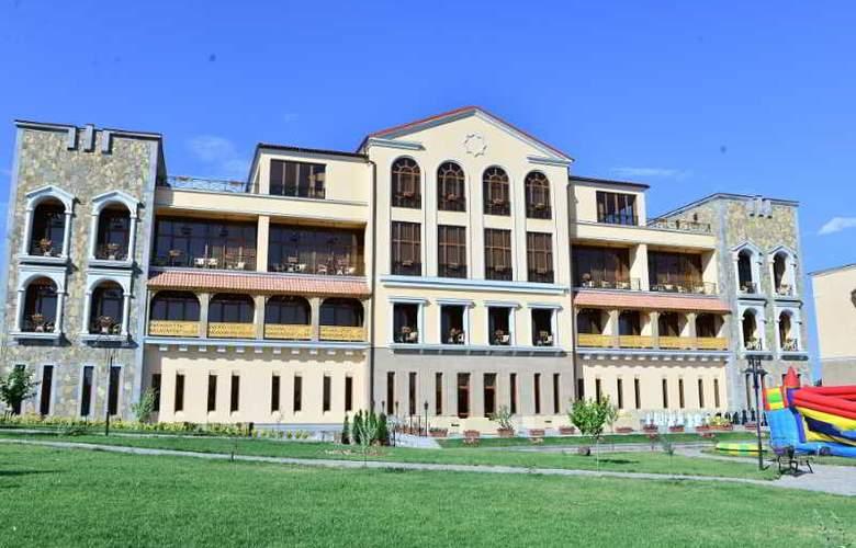 Caucasus - Hotel - 10