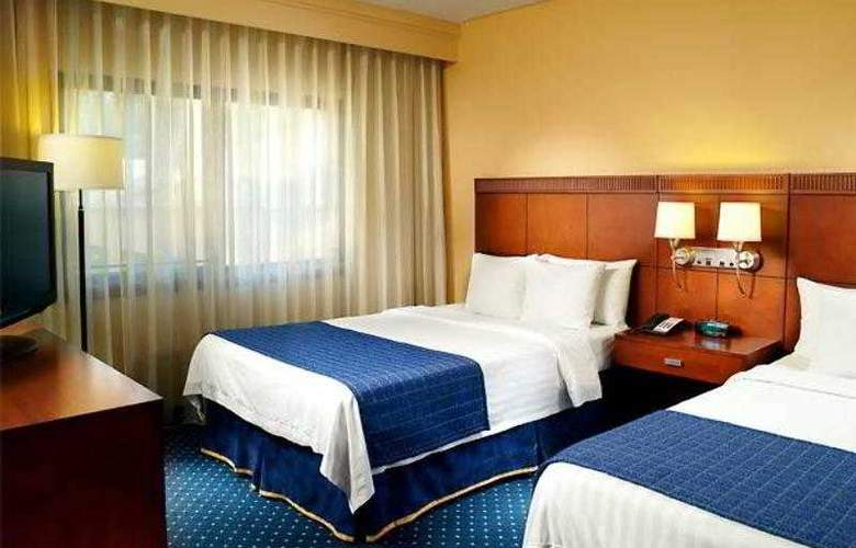 Courtyard Nashville Airport - Hotel - 10