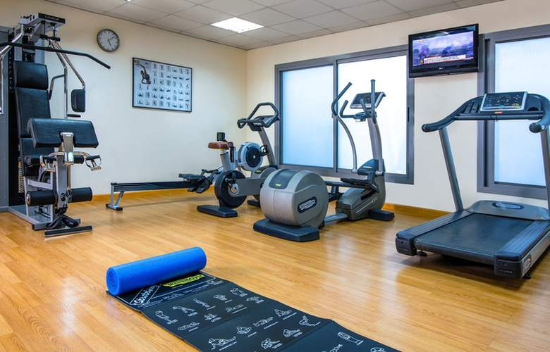 Time Topaz Hotel Apartments - Sport - 3