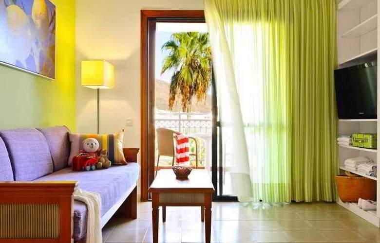 Apartamentos Compostela Beach - Room - 3