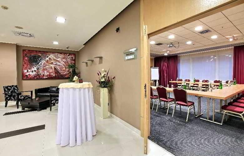 Holiday Inn Belgrade - Conference - 17