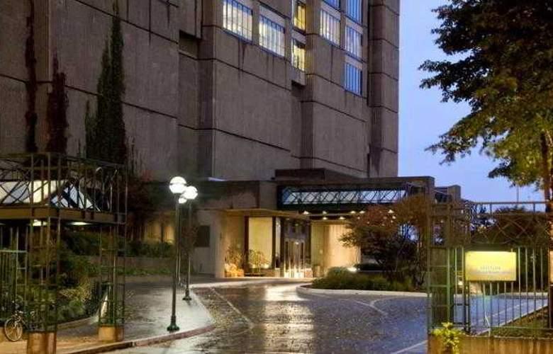 Hilton Montreal Bonaventure - Hotel - 3