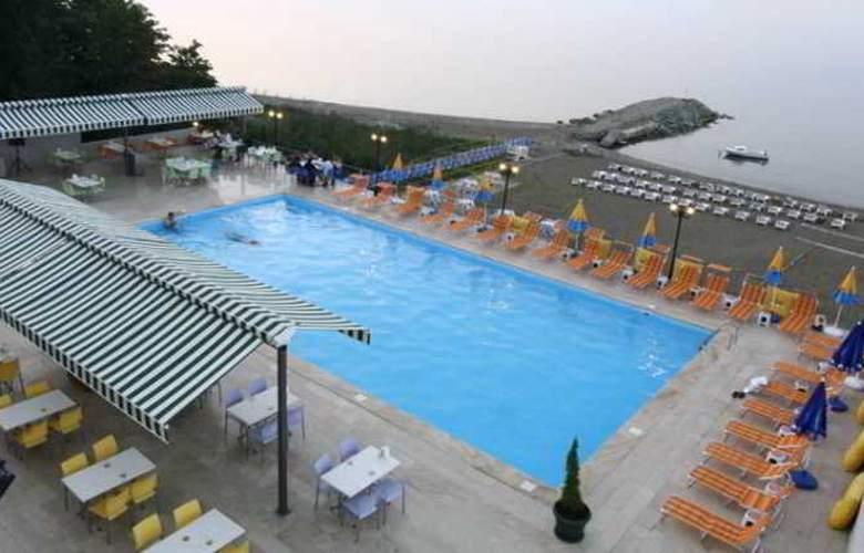Mora Hotel - Pool - 12