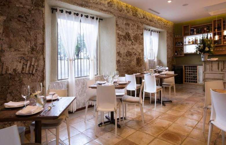 Descanseria Hotel Business and Pleasure - Restaurant - 10