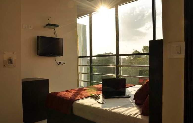 Amby Inn - Room - 2