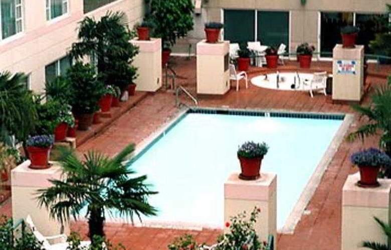 Monterey Marriott - Pool - 3