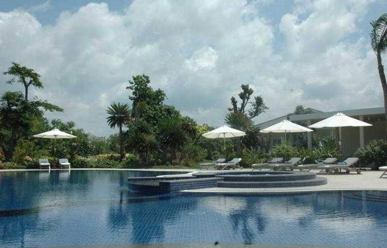 Princess dAnnam Resort and Spa - Pool - 5