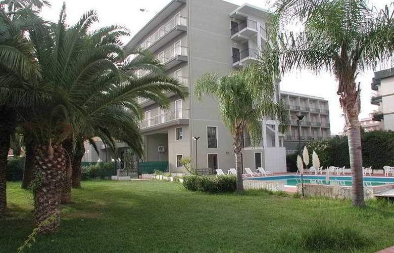 Park Hotel Helios - General - 1