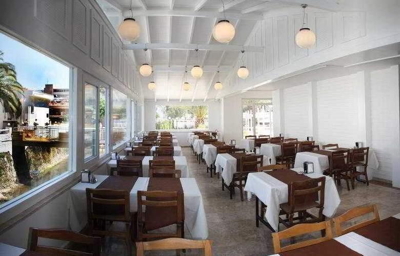 Munamar Beach Resort - Restaurant - 8