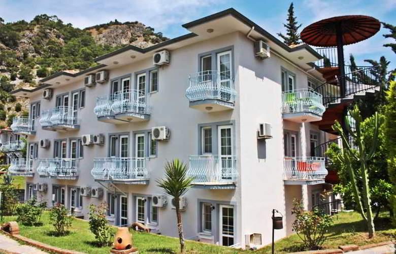 Majestic Hotel - Hotel - 0