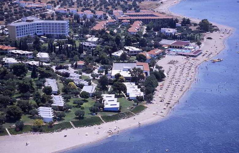 Gerakina Beach - General - 2