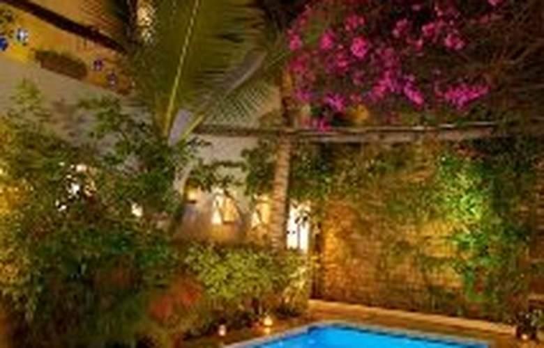 Hotel Los Milagros - Pool - 6