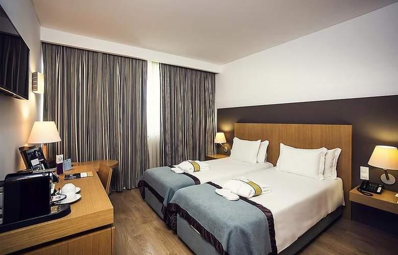 Mercure Lisboa Almada - Room - 9