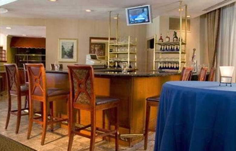 Hilton Garden Inn Durham RTP - Bar - 7