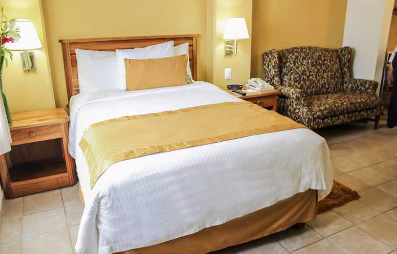 Comfort Inn Tampico - Room - 21