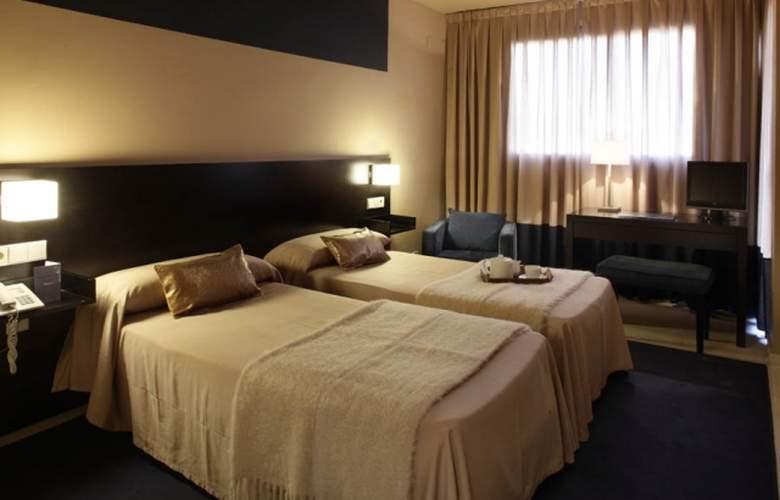 Ignacio - Room - 5