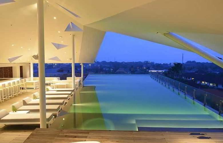 IZE Seminyak Bali - Pool - 25