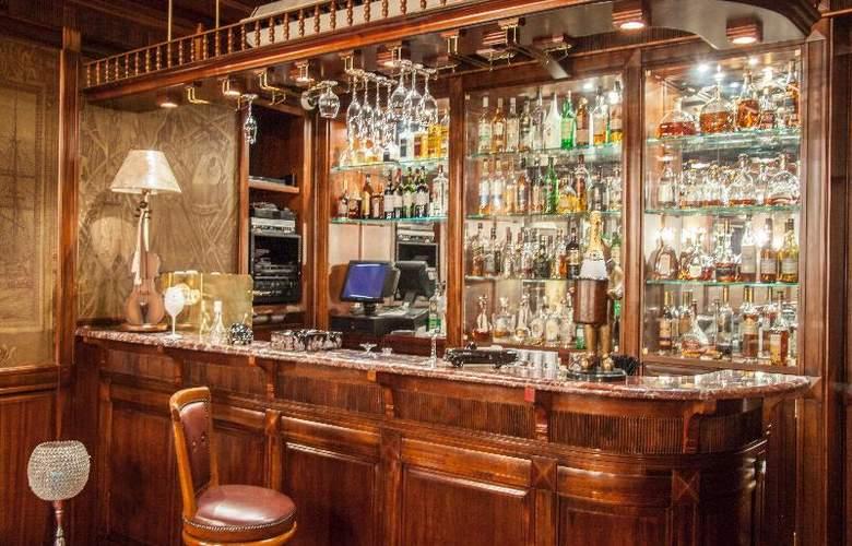 Kebur Palace - Bar - 11