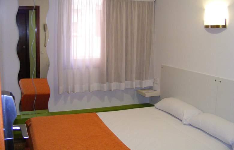Catalunya Express - Room - 8