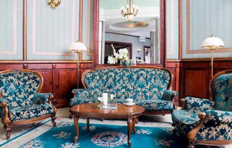 Francuski - Hotel - 0