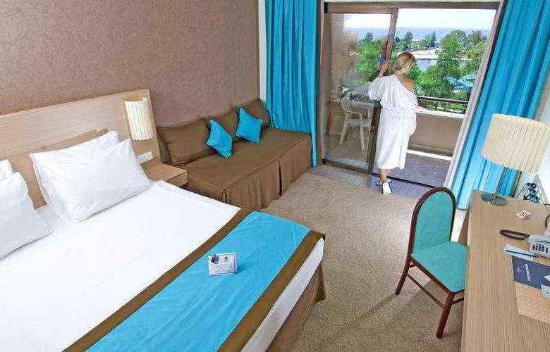Grand Prestige Hotel - Room - 2