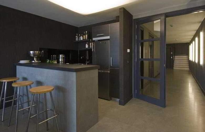 Irenaz Resort Hotel Apartamentos - Bar - 10