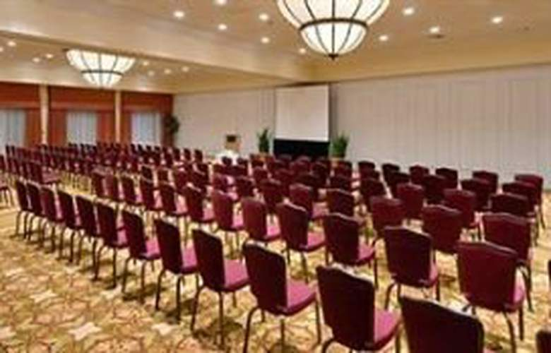 Wyndham Garden Hotel - Conference - 8