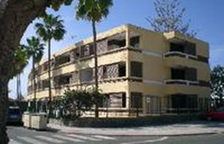 Apartamentos El Cisne - Hotel - 0