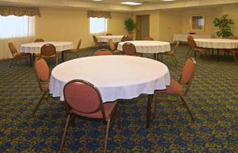 Econo Lodge  Inn & Suites Six Flags - General - 1