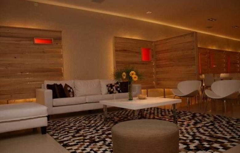 Monarca Hotel - Hotel - 0