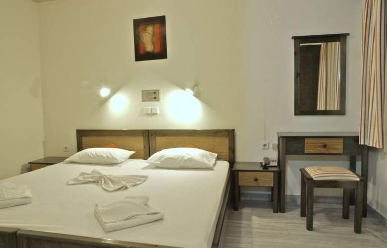 Alexandros M. Studios and Apartments - Room - 2