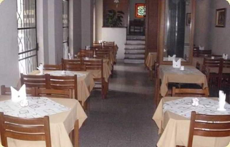 Express Savoy Hotel - Restaurant - 3