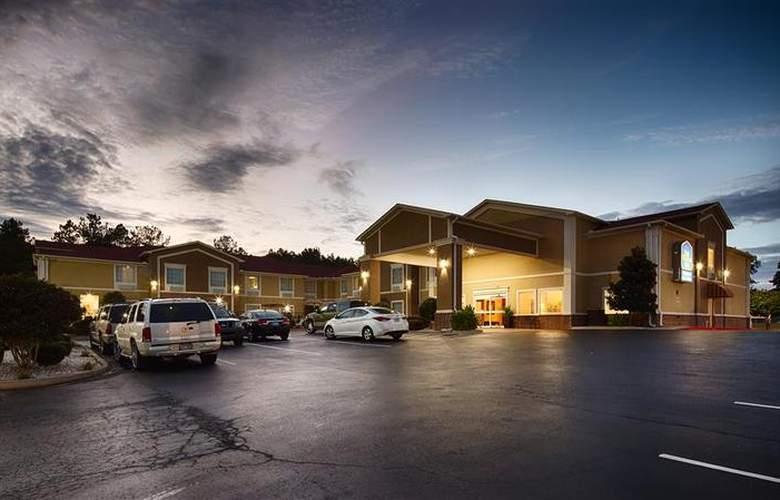 Best Western Plus Sherwood Inn & Suites - Hotel - 16