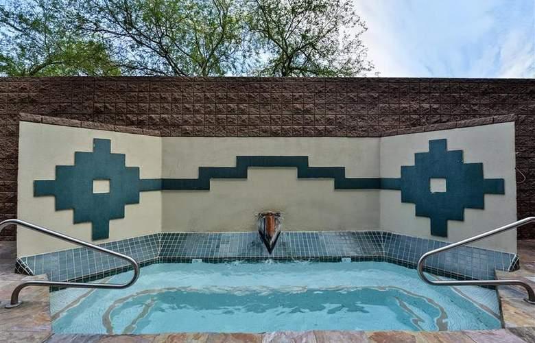 Best Western Inn of Tempe - Pool - 50