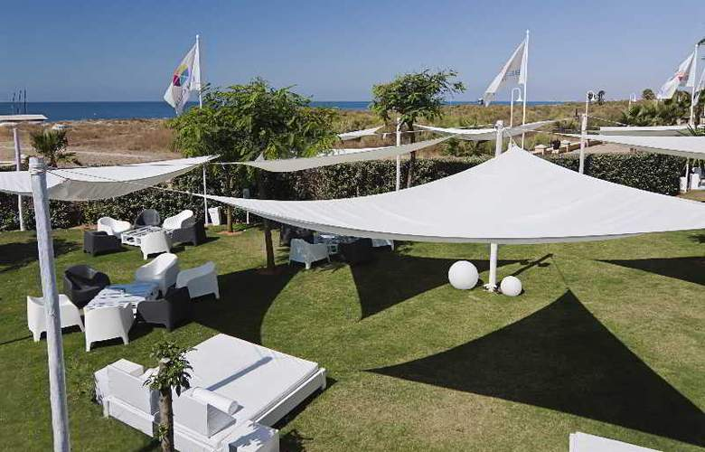 DoubleTree by Hilton Islantilla Beach Golf Resort - Beach - 25