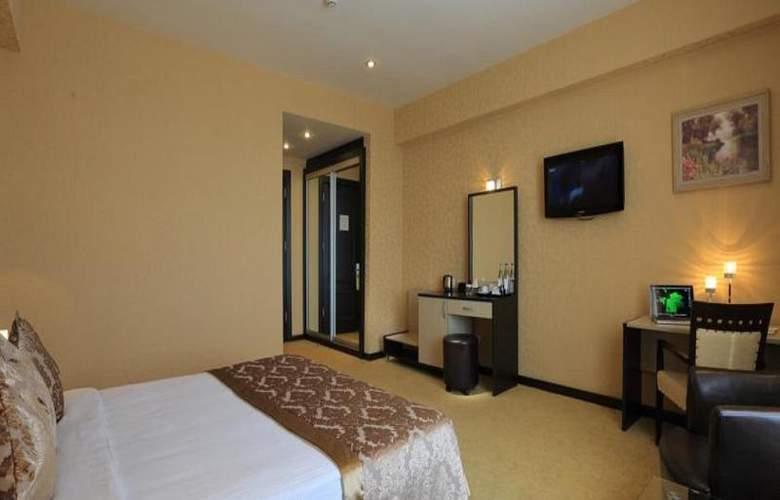 Days Inn - Room - 3