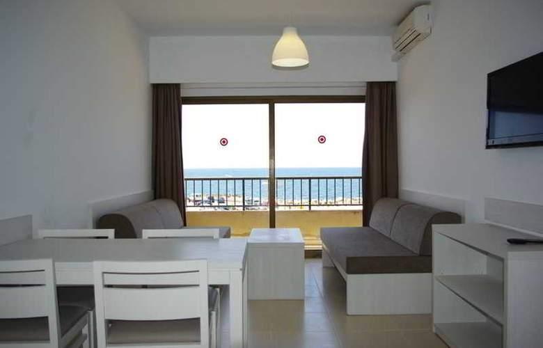 Embat - Room - 12