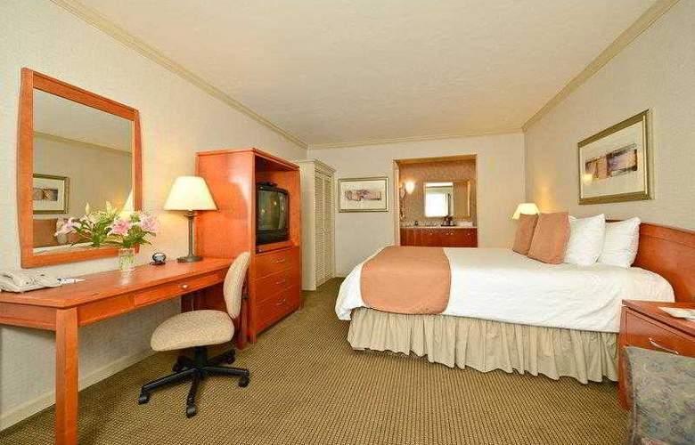 Best Western Plus Mountain View Inn - Hotel - 10