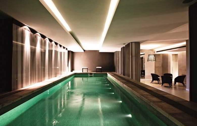 Esplendor by Wyndham Montevideo Cervantes - Pool - 3
