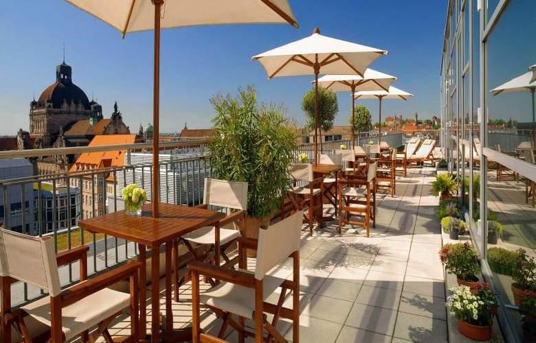 Arabella Sheraton Hotel Carlton - Terrace - 12