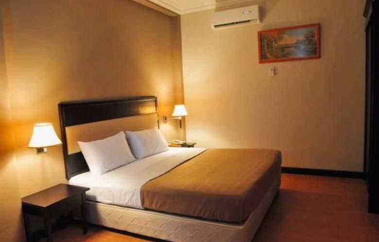 Lodge 18 Hotel - Room - 6