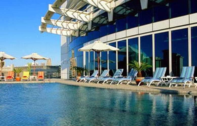 Tamani Marina - Pool - 3