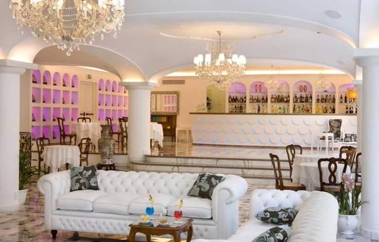 Grand Hotel la Favorita - Bar - 31