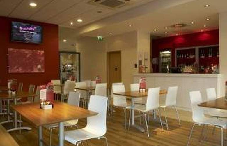 Travelodge Cardiff Atlantic Wharf - Restaurant - 1
